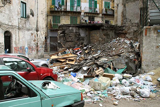 Trash in Palermo